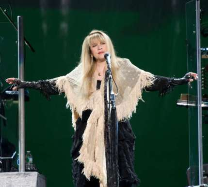 stevie-nicks-on-tour-rod-stewart.jpg